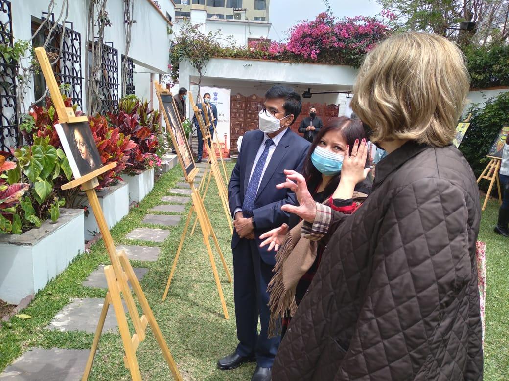 As part of Azadi Ka Amrit Mahotsav celebrations under India Week,  Embassy of India, Lima organised an art exhibition foregrounding unity in India´s cultural Diversity.